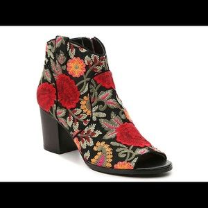 Frankie bootie from Crown Vintage (never worn/new)